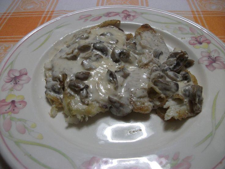 Sogliole con crema di funghi http://blog.giallozafferano.it/gustidicasa/sogliole-con-crema-di-funghi/