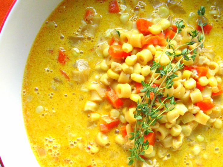 Corn Soup ~ corn, onions, garlic, bacon, carrots, red pepper, pasta & cream.  Meal in a bowl!: Soups Stews Chili, Recipe, Delishy Soups, Corn Soup, Food, Dokie Artichokie, Easy Soups
