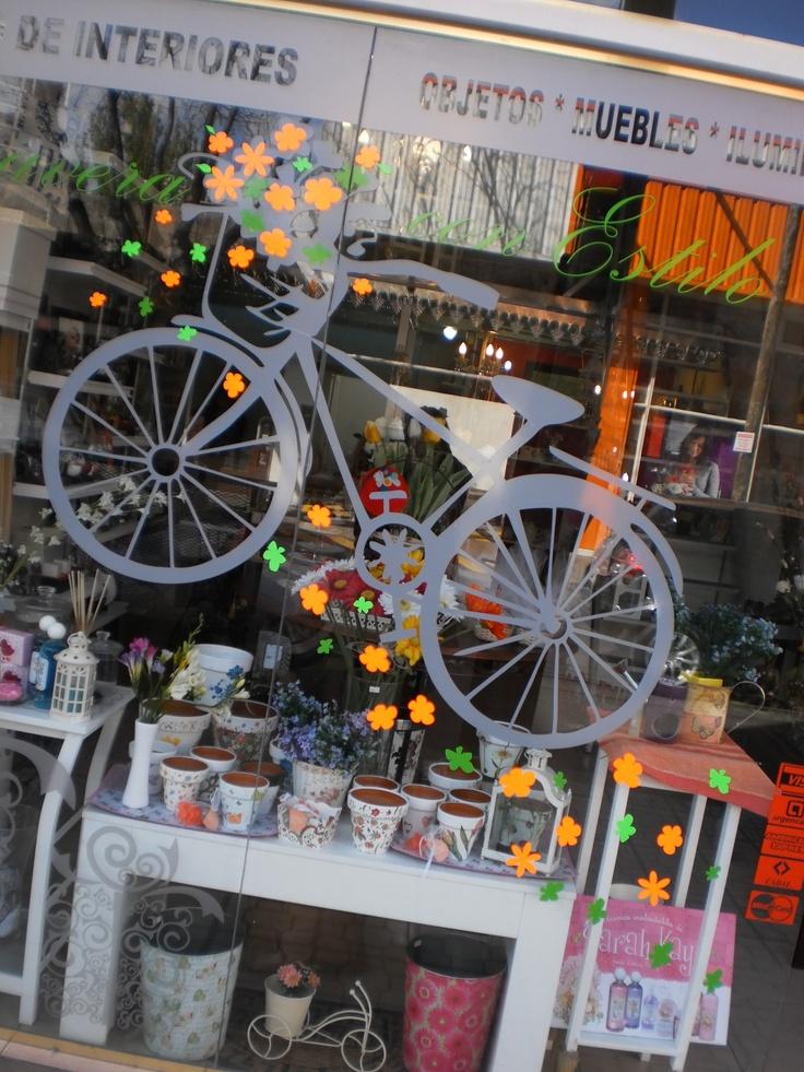 1000 images about decoraci n para vidrieras plotter for Decoracion de vidrieras de ropa