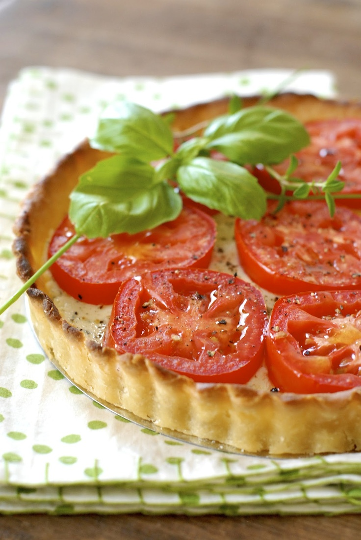 Tomato and garlic-herbed cheese tart