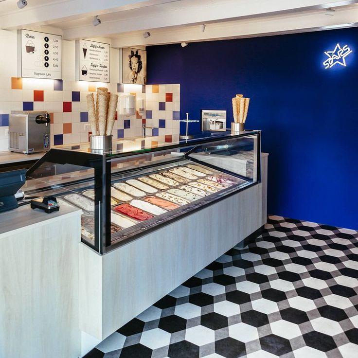 Stars Ice Cream Store, Hellevoetsluis, 2017 - Esther Canisius Floor: Moduleo Moods