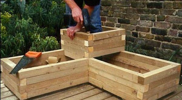 Redecoreaza-ti gradina cu aceste idei de jardiniere din lemn