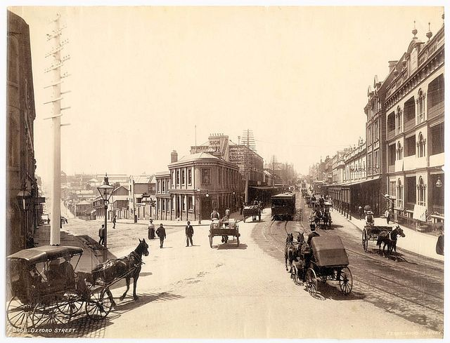 Oxford Street,Sydney, Australia (photo undated) v@e