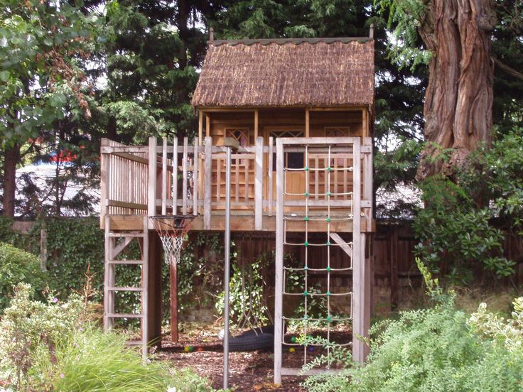 Diy free standing tree house