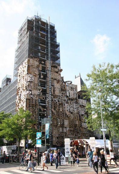 Daniel González_Pop-up Building_2010_ Chiesa di Arminius, Rotterdam    progetto speciale per il Witte de With Festival    cartone, vernice, nastro adesivo, fascette, motori elettrici,   35 x 35 x 15 m