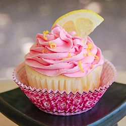 Fast and simple Raspberry Lemonade Cupcakes with a gourmet flavor