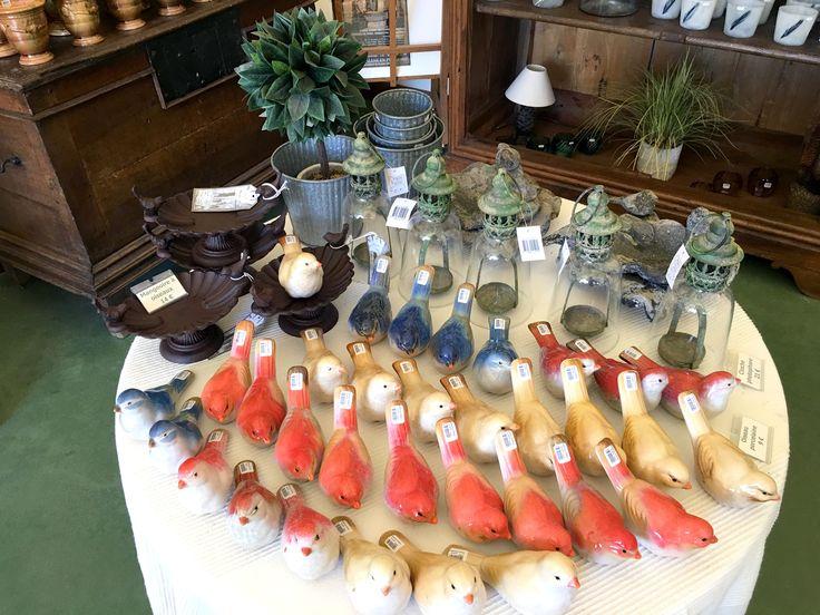 Les oiseaux sont à l'honneur à la boutique des jardins d'Eyrignac! #déco #boutique #eyrignac #oiseaux #lanterne #decoration #jardin