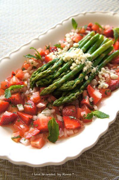 苺&トマトミントソースのアスパラガス&鶏胸肉と野春菜ココナッツ ...