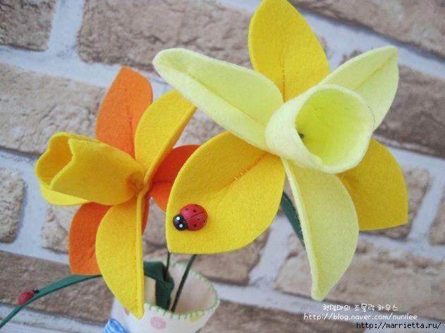 Flores em feltro (com moldes e tutorial).: Flores Ems, Ems Feltro, Remodel Projects, Daffodils Tutorials, Fav Diy, Ems Flora, Felt Ideas, Felt Flower, Diy Projects
