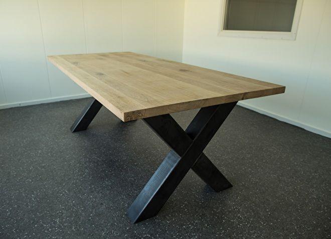 25 beste idee n over houten tafelbladen op pinterest for Tafel ontwerp