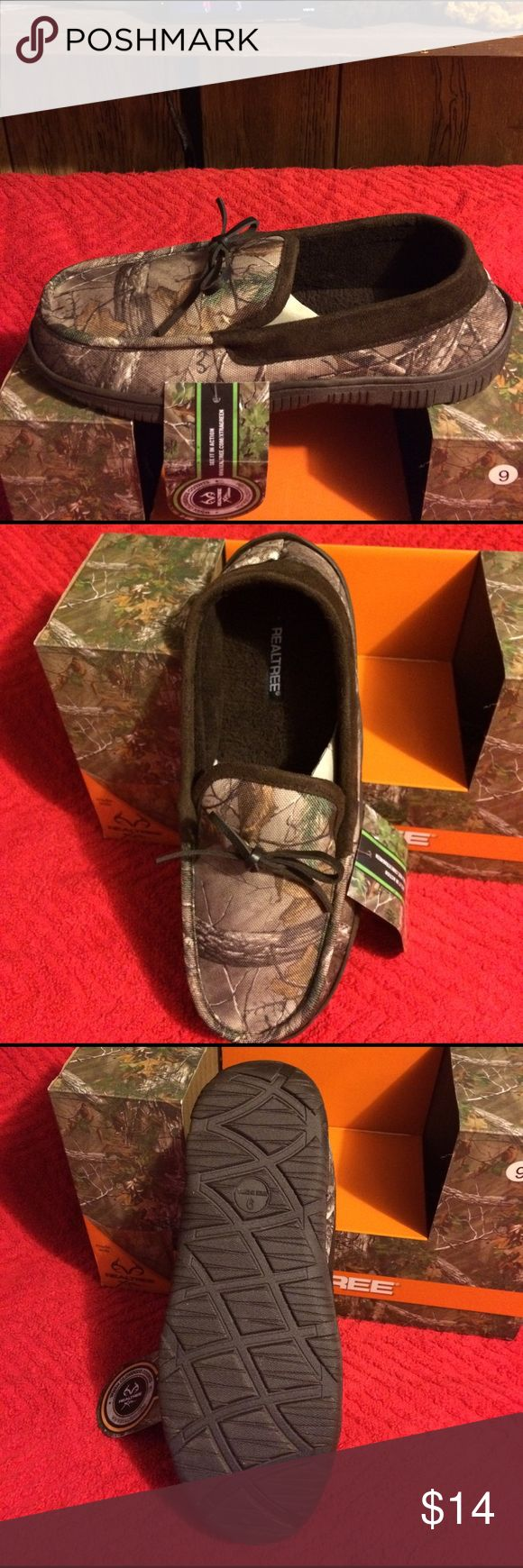 Men size 9 slippers by Real Tree camouflage new New with box men slippers by real tree size 9 camouflage indoor out door sole easy to slip on and off real tree Shoes Loafers & Slip-Ons