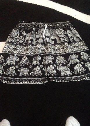À vendre sur #vintedfrance ! http://www.vinted.fr/mode-femmes/autres-shorts/36089339-short-fluide-et-tres-leger-style-orientale