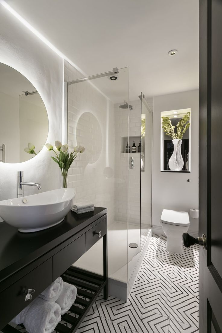 House Tour  A Designer s Dramatic London Apartment  Lighting For  BathroomsBlack  Best 10  Black bathrooms ideas on Pinterest   Black tiles  Black  . Black And White Bathrooms Images. Home Design Ideas
