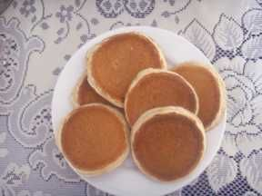 Google Image Result for http://www.scotlands-enchanting-kingdom.com/images/scotch-pancakes.jpg