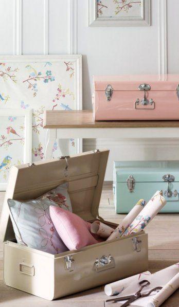 Malles pastel - La couleur de l'année de Pantone relance le pastel : « Un intérieur apaisant avec une déco pastel »