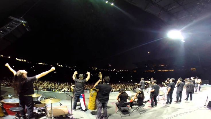 Landfill Harmonic. Nothing else matters at the Metallica Tour (Chile)