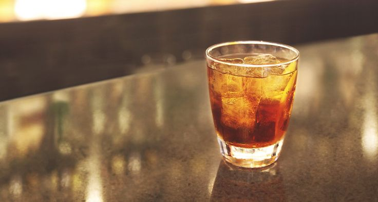 Find out how to make a rye whiskey cocktail. Check out the Ryes Up recipe made with Bulleit Rye Whiskey and find more whiskey recipes.