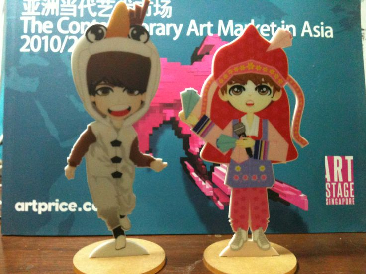 Acrylic Standing Doll price:35K IDR (per pcs) /convert: 4 USD)
