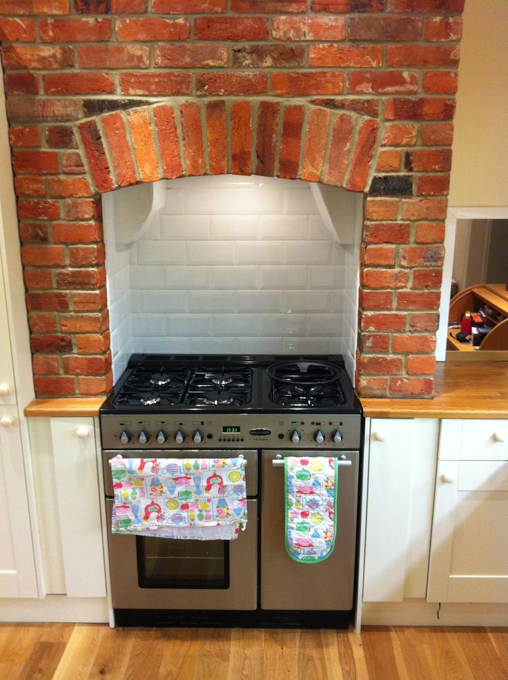 Rangemaster Toledo 90 range cooker with brick chimney breast | Kitchen ideas