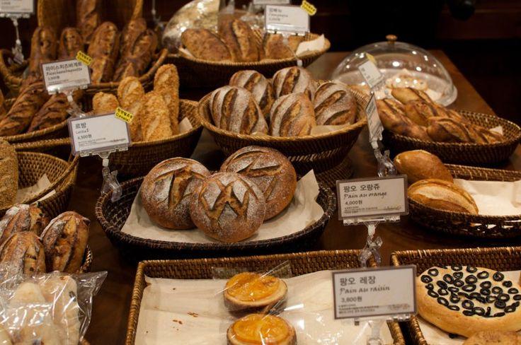October Artisan Boulangerie- ст Hapjeong- линия коричневая вых.6 или ст Sangsu ex 1