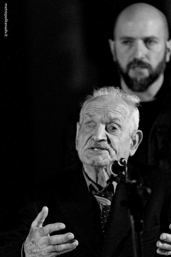 Antimo Pellegrino e la Bottega del Teatro a Melpignano (Le) l'8 aprile 2014. Canti di Passione www.cantidipassione.it