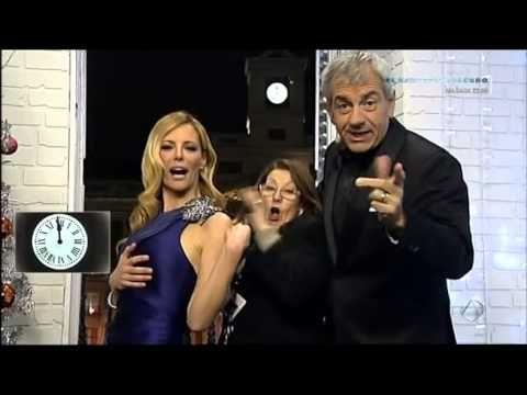 La sastre de Paula Vázquez se convierte en la protagonista de las Campanadas - YouTube