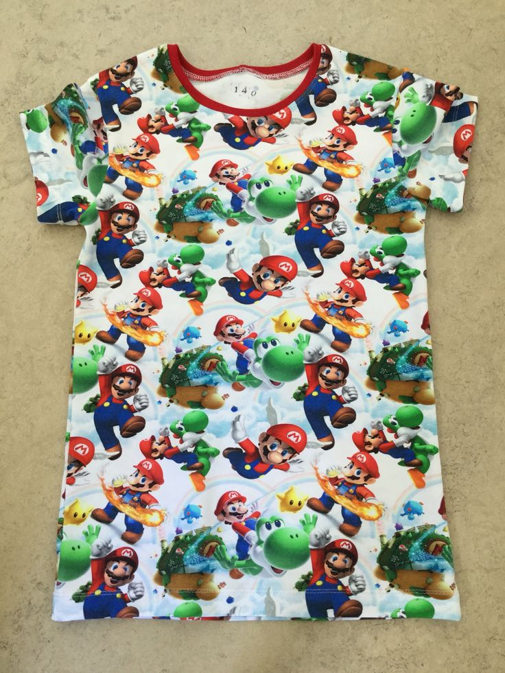 Super Mario -paita. Koko 140 cm.