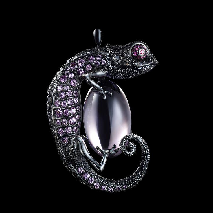 Dashi Namdakov, Russia: Pendant...Chameleon, 2007 18 kt white gold with black rhodium Black diamond, ruby, sapphire, amethyst inlay