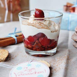 Das perfekte Dessert für Heilig Abend... wenn Ihr Lebkuchen mögt! Wahlweise kann man auch Spekulatius nehmen. -> Lebkuchen Dessert mit Mascarpone-Quark Creme und Schattenmorellen. Rezept gibt es jetzt auf dem Blog (Werbung #Bahlsen)