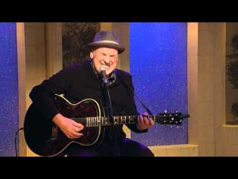 Paul Carrack performs Don't Let the Sun Catch You Crying