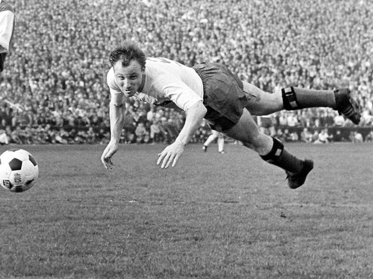 1964: Uwe Seeler (Hamburger SV) - 30 Tore