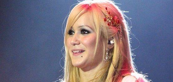 El Diario Noticias: Karina ¿al quirófano? La Princesita quiere aumentar su...