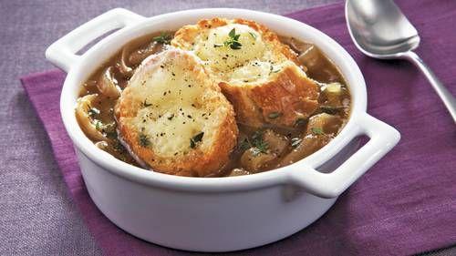 Lassú tűzhely rusztikus francia hagyma leves