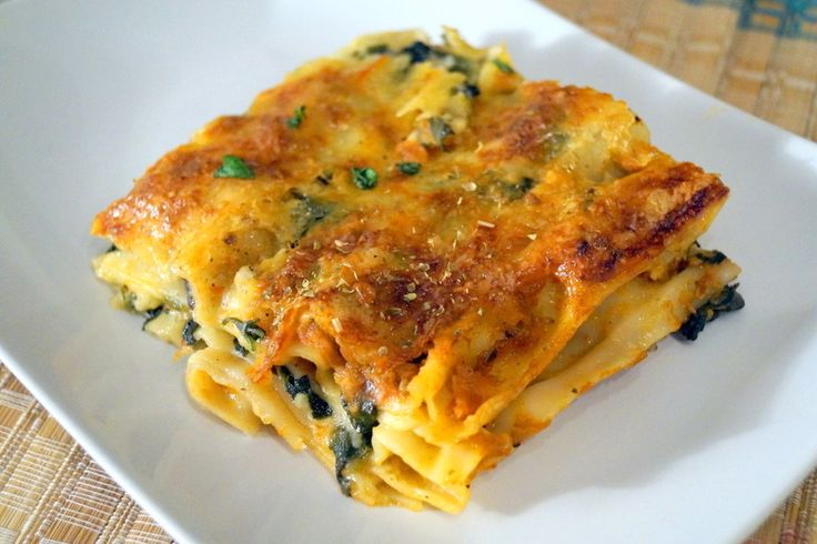 Its an exotic Italian delicacy with spinach and cheese gives a yummy and an intense taste.