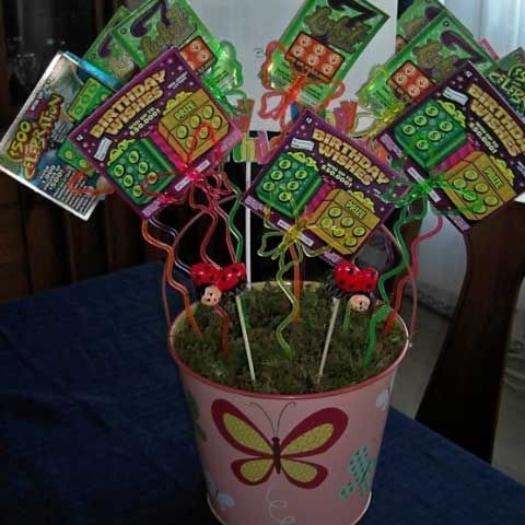 Homemade christmas gifts for family lottery bouquet for Christmas gift basket ideas for families