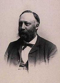 Frits Uldall - Uldall var frimurer og tegnede sammen med Eggert Achen Den Danske Frimurerordens logebygningen i Randers