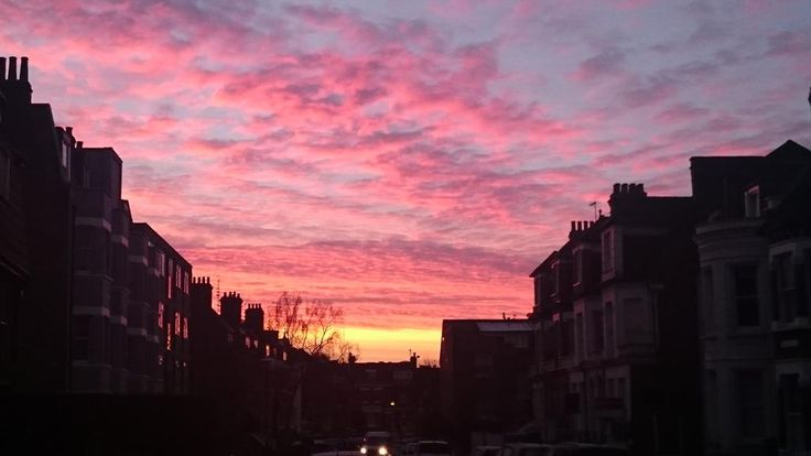 @WHampstead I've a fab sunrise captured in West Hampstead from the other week I forgot to tweet! pic.twitter.com/7B0mZYmX5Y