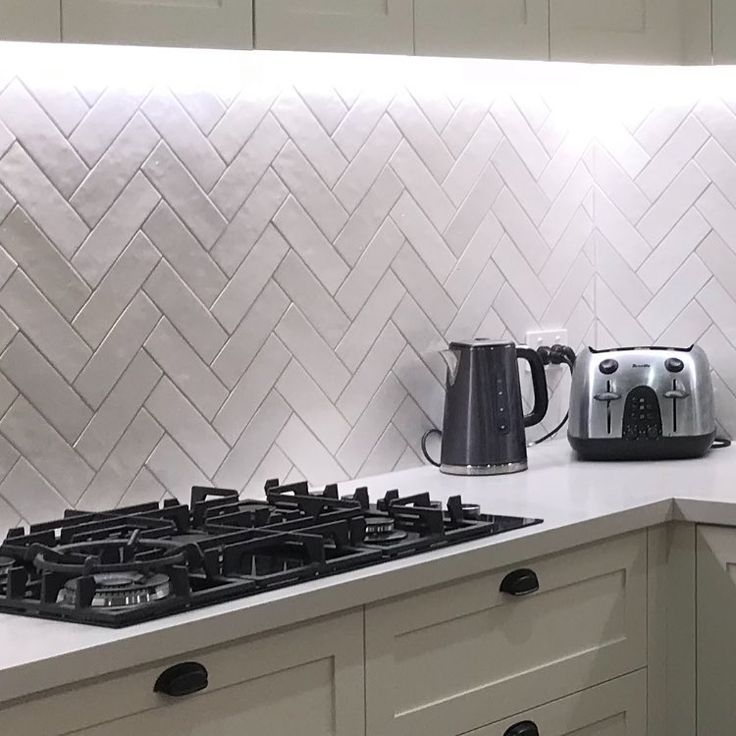 Off White Herringbone Subway Splashback - Kitchen ideas ...