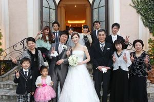 みんな何着ていく?結婚式で着る親族衣装まとめ。ウェディング・ブライダルの参考に。