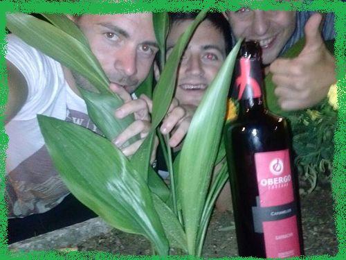 Gran Selfie repleto de acción: A la Caza del Obergo Caramelos Rojo! Tenemos seguidores capaces de hacer la Ruta del Vino Somontano hasta llegar a la garnacha del Somontano más divertida!