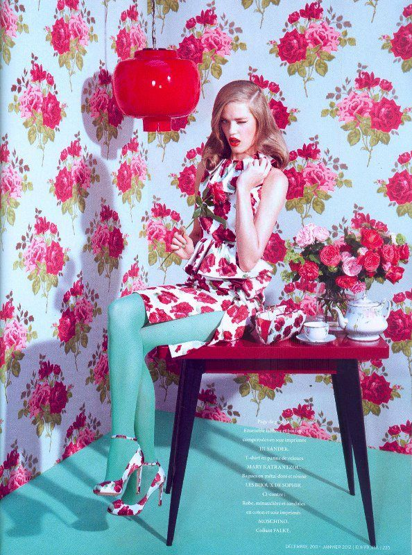 Love the colours for M's room: Floral Prints, Floral Wallpapers, Floral Patterns, Flowers Prints, Colors Combinations, Flowers Power, Kourtney Roy, Pink Rose, Fashion Photography