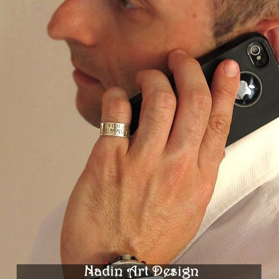 Sterling Silber Band-Ring mit Gravur für Männer von NadinArtDesign auf DaWanda.com