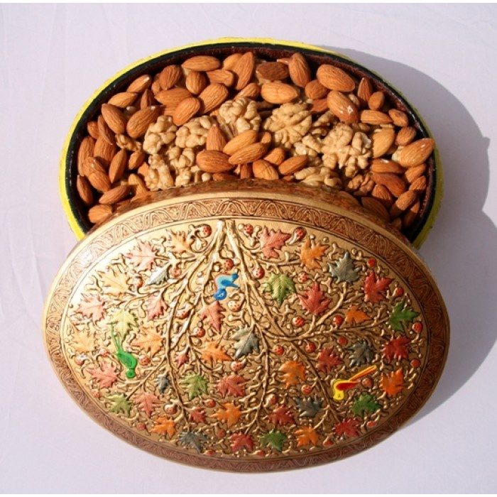 Luxury Treat        Serve .. Eat .. Live .. & Gift with Luxury!!! At Pocket Friendly price!!!!        Gift basket includes Embossed Paper mache box, Walnut Kernels 250 Grams & Almond Kernels 250 Grams.    We offer you luxury treat basket with our scrumptious dry fruits straight from the ...