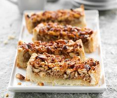Honig-Knuspertarte: Gehackte Haselnüsse und flüssiger #Honig sind das Geheimnis dieser himmlisch süssen #Tarte! #Rezept #Backen #Dessert