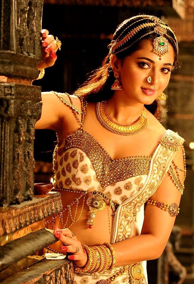 Rudhramadevi movie review anushka Shetty #movie #celebrity