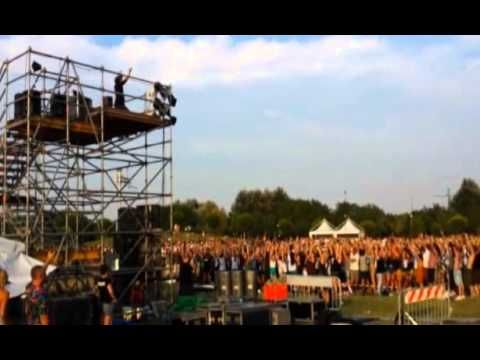 Breakthrough Foo Fighters Rockin1000 Outdoor Learn To Fly   Lealiveus
