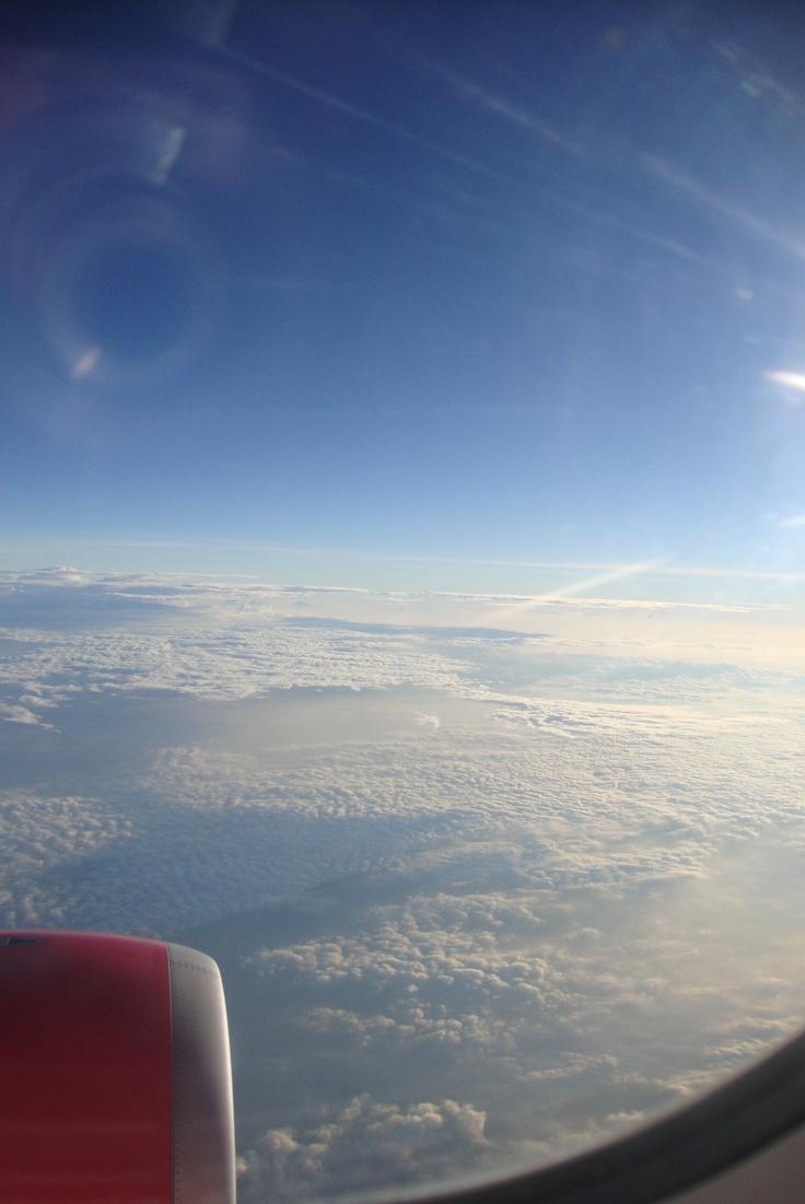 pemandangan awan dr jendela pesawat