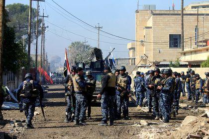 В Мосуле поймали двоюродного брата «халифа» ИГ аль-Багдади       В Мосуле иракские военные арестовали двоюродного брата главы «Исламского государства» (ИГ) Абу Бакра аль-Багдади. Имя задержанного не сообщается, известно лишь, что он является родственником «халифа ИГ» по отцовской линии и попал в плен в районе Эль-Джусак. Выйти на него удалось благодаря данным иракской разведки.