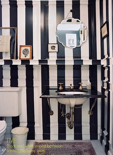 black and white stripes are the way to my heart - even if it is in a bathroom!