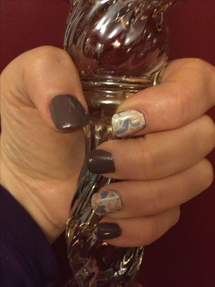 My first  Jamberry nail application, love it!💕